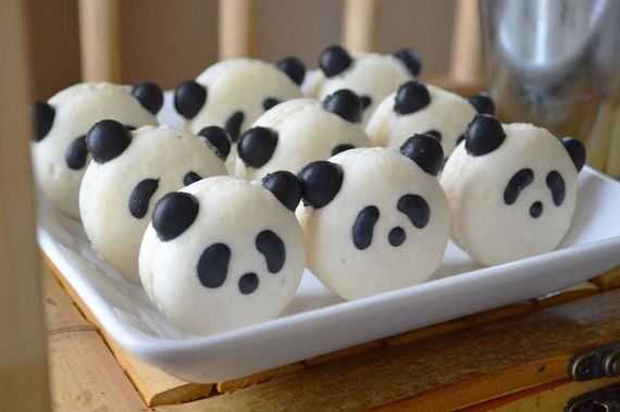 24-Panda-Cupcakes