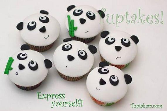 25-Panda-Cupcakes