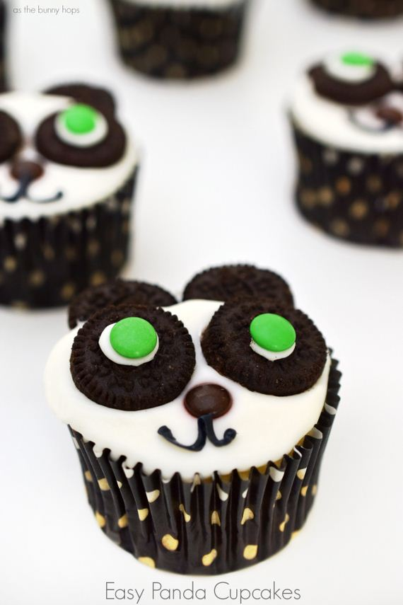 27-Panda-Cupcakes