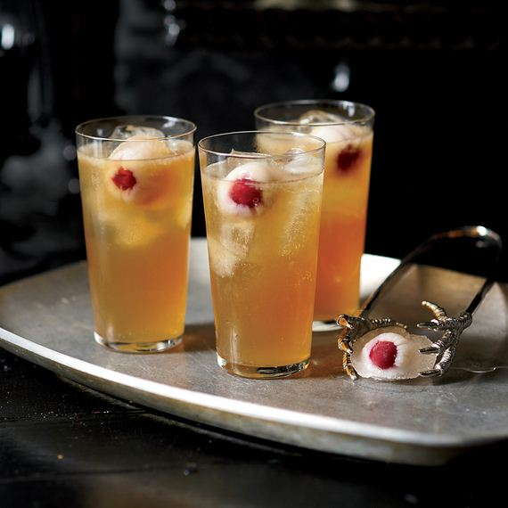 02-mind-blowing-halloween-drinks