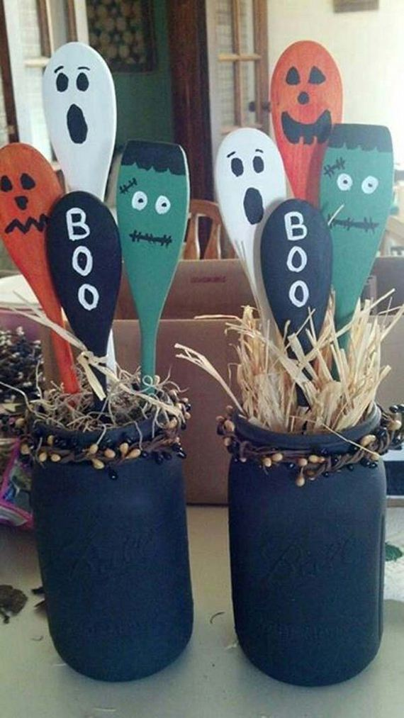 09-halloween-decorations-made-out-of-recycled-wood