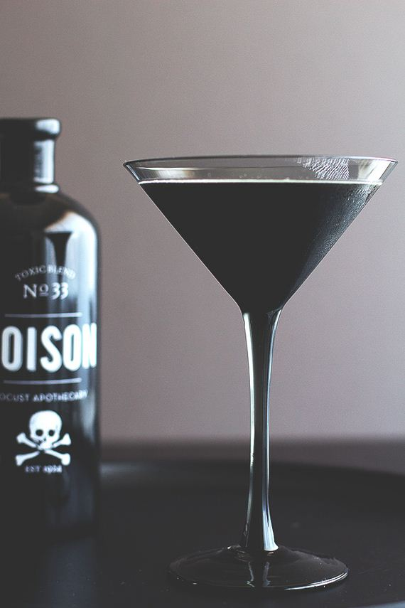 26-mind-blowing-halloween-drinks