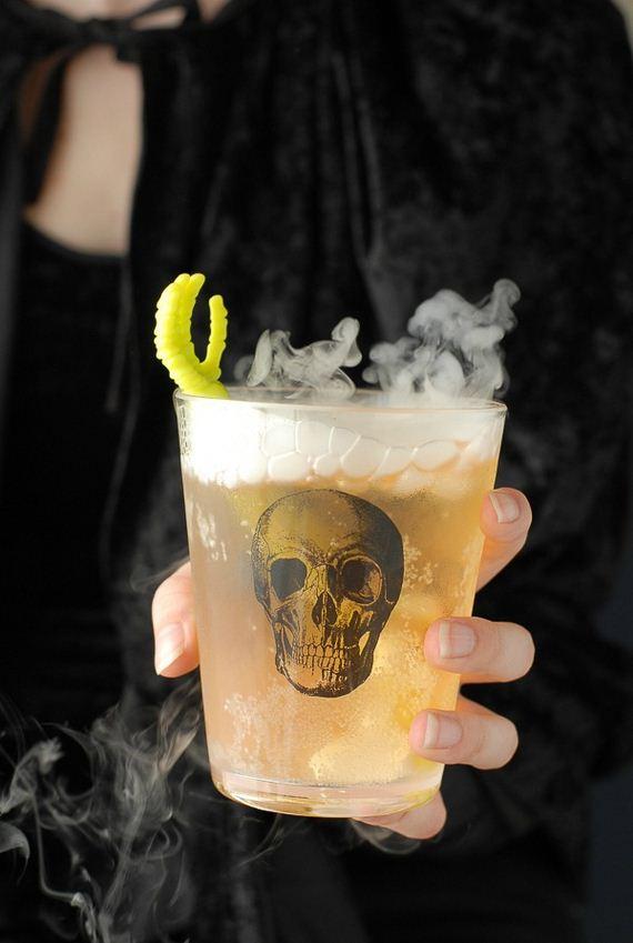 27-mind-blowing-halloween-drinks