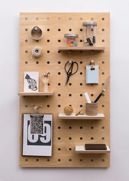 02-pegboards