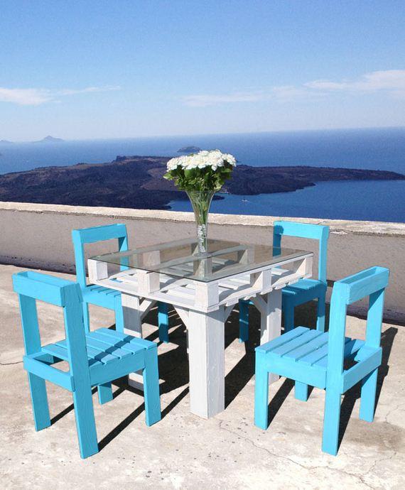 03-diy-pallet-patio-furniture