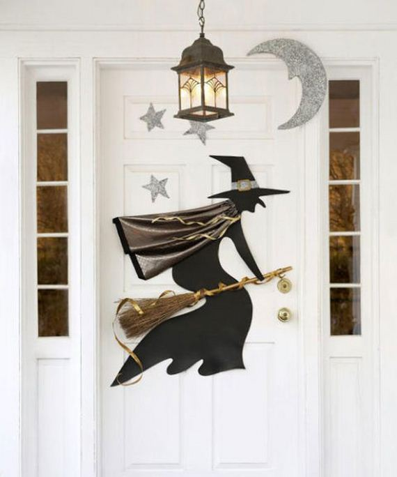 03-halloween-door-decor-diys