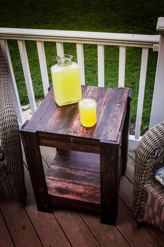 05-diy-pallet-patio-furniture