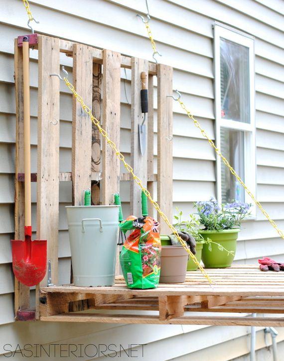 07-diy-pallet-patio-furniture