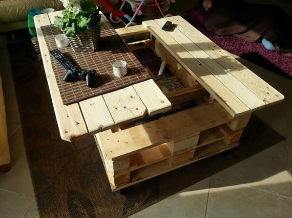 09-diy-pallet-patio-furniture
