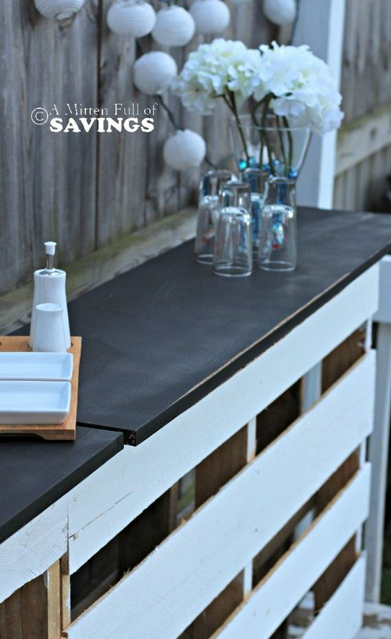 11-diy-pallet-patio-furniture