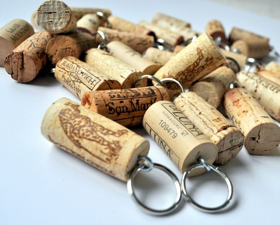 09-cute-and-clever-cork-crafts
