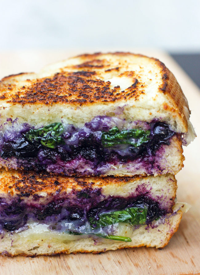 Amazing grilled cheese recipes and ideas diycraftsguru 1 balsamic blueberry grilled cheese forumfinder Choice Image