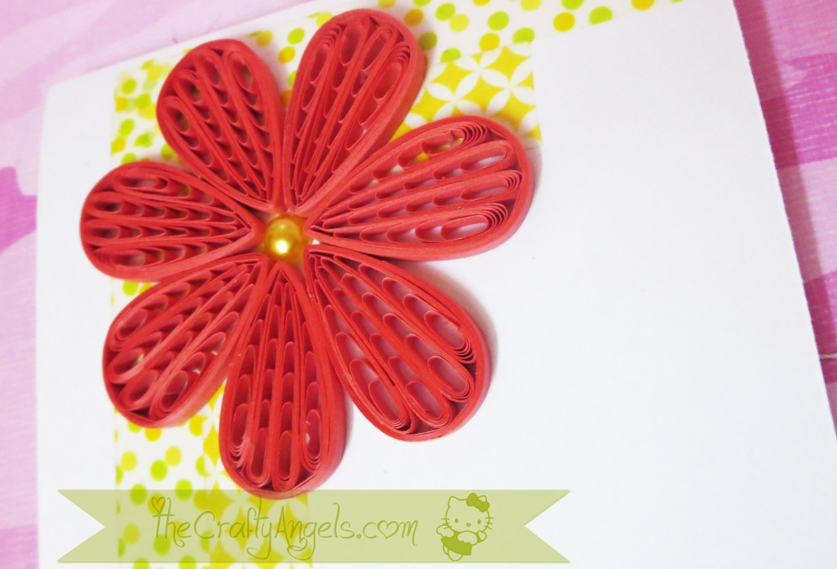 Cool floral paper quilling projects diycraftsguru comb flower with a pearled centre mightylinksfo
